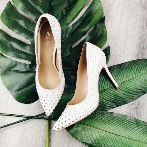 White pumps / heels - by Michael Kors
